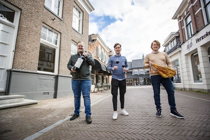 De broers Jeroen, Boudewijn en Maarten Elhorst breiden Wine & Bite Wijnbar uit.