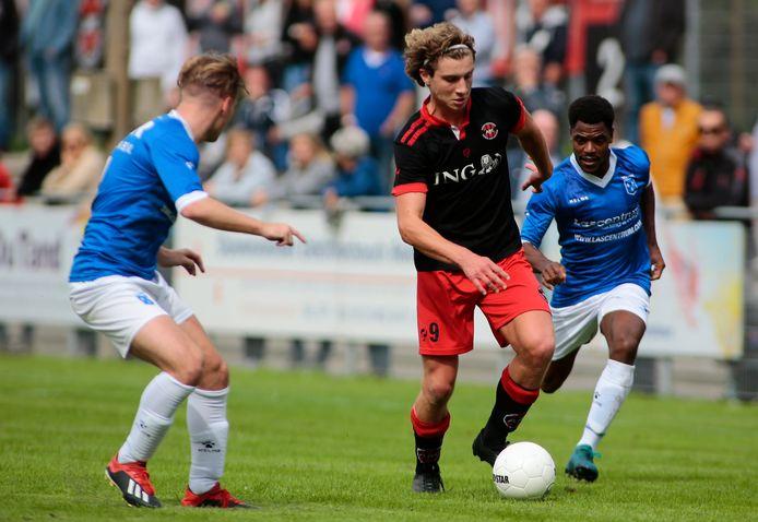 ARC'er Tren Drexhage (midden) heeft zijn laatste duel voor de club gespeeld. In augustus vertrekt hij naar Amerika.