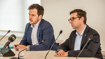 Burgemeester Francesco komt tot inzicht na gesprekken met ouders: gemeenteschool blijft nog drie jaar open