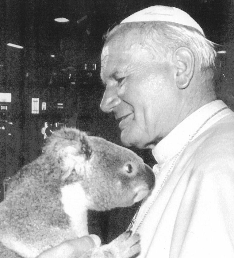 Johannes Paulus II, in 1978 verkozen tot paus, tijdens zijn reis naar Brisbane in 1986. Beeld EPA