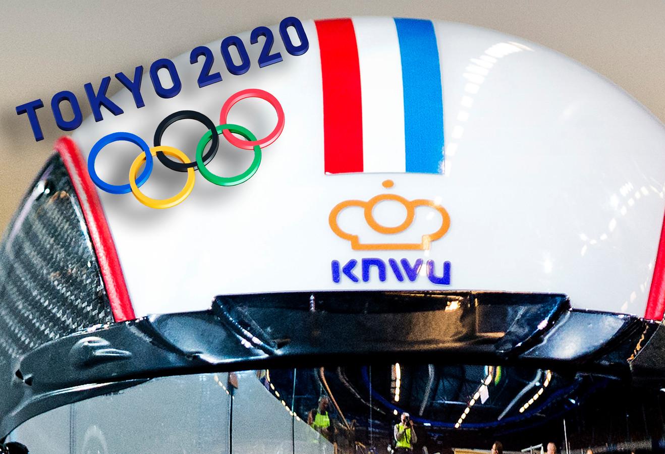Het logo van de KNWU op een helm van een baanwielrenster. Inzet: het logo van Tokio 2020.
