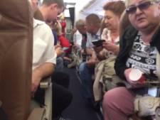Rus draait volledig door, probeert medepassagier te wurgen en overlijdt zelf kort na landing