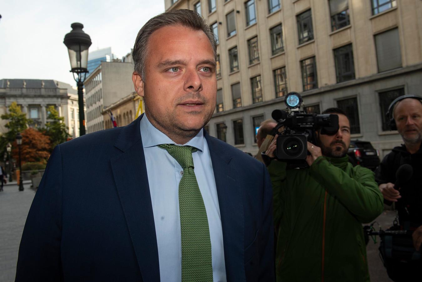 """Philippe De Backer (Open VLD), ministre de tutelle, """"doit s'expliquer sur sa stratégie dans le dossier Proximus"""", exige Ecolo"""