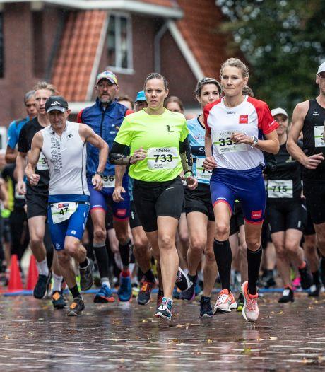 Stromende regen deert marathonlopers van Winterswijk niet: 'Iedereen razend enthousiast'