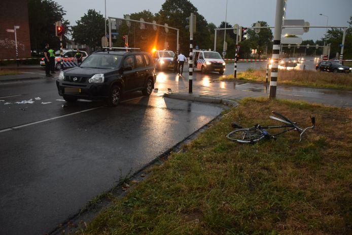 De situatie op het Nelson Mandelaplein in Nijmegen na de aanrijding.