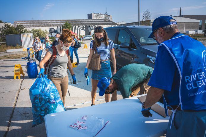 World Cleanup Day : afval laten wegen aan het Kapitein Zeppospark.