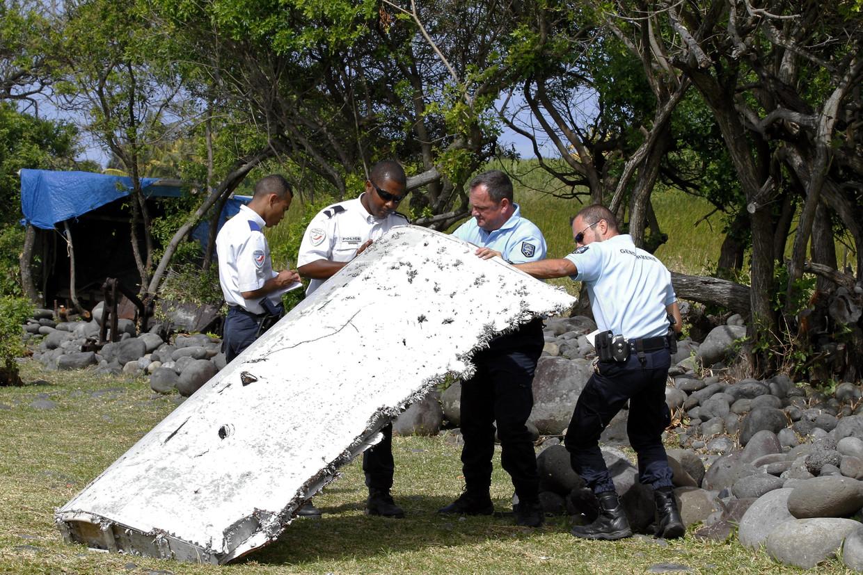 In juli 2015 spoelden brokstukken aan op het eiland Réunion, die gelinkt werden aan het verdwenen vliegtuig. Beeld BELGAIMAGE