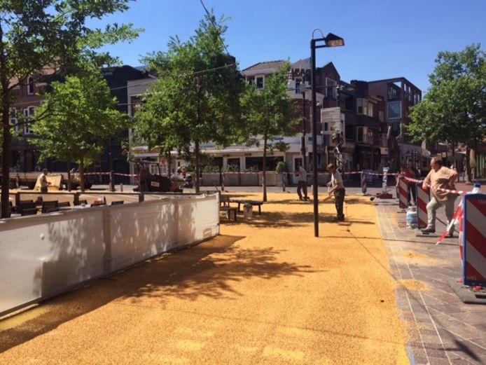 Het Catharinaplein wordt voorzien van een nieuwe toplaag.