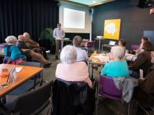 Bezoekers bibliotheekcafé in Almelo: 'Doen wij wel genoeg voor Syrië?'
