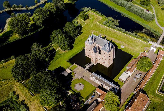 Slot Loevestein maakt deel uit van de Nieuwe Hollandse Waterlinie