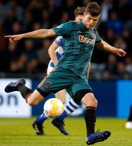 Klaas-Jan Huntelaar in actie op De Vijverberg tégen De Graafschap. De fans hopen dat hij komend seizoen hier opnieuw te bewonderen is, maar dan als Superboer.