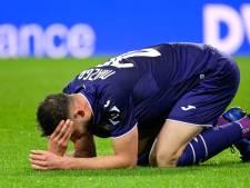 Anderlecht craque en fin de match, Genk peut continuer de rêver