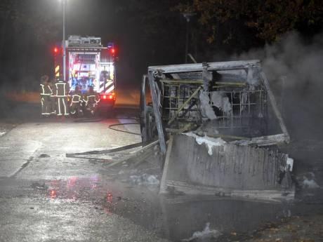 Uitgebrand busje met drugsafval gevonden in Best