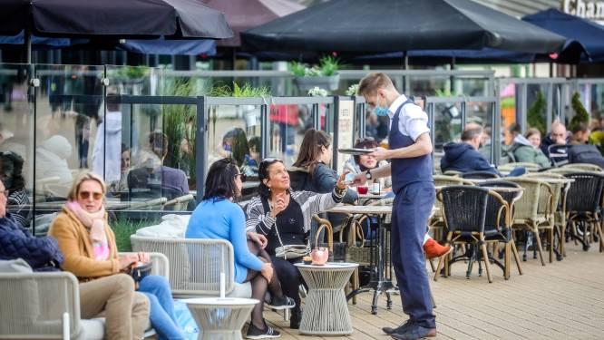 """Eindelijk vollere kusthotels in verlengd weekend door opening terrassen: """"Toeristen hebben veel goesting om te komen"""""""