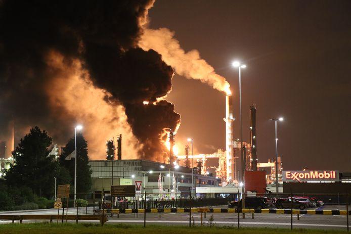 De brand bij ExxonMobil in de Botlek.