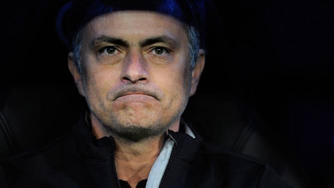 """Mourinho: """"Je ne suis pas l'entraîneur de l'année"""""""