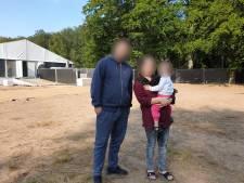 Eraj en zijn gezin ontvluchtten Kaboel: 'Toen ik eenmaal in het vliegtuig zat, heb ik een hele poos gehuild'