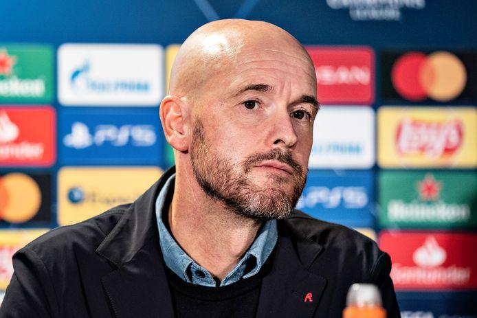 Erik ten Hag bij de persconferentie vanavond in Herning, waar Ajax het morgen opneemt tegen FC Midtjylland.