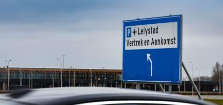 Provincie en gemeenten in Overijssel willen streep door natuurvergunning Lelystad Airport