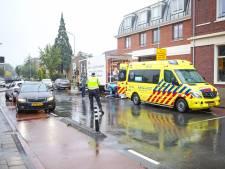Fietser botst op stilstaande vrachtwagen in Nijkerk: zwaargewond naar het ziekenhuis