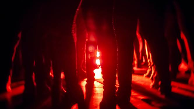 Oeps! Politie maakt einde aan illegaal feestje met ruim driehonderd bezoekers in Kanis