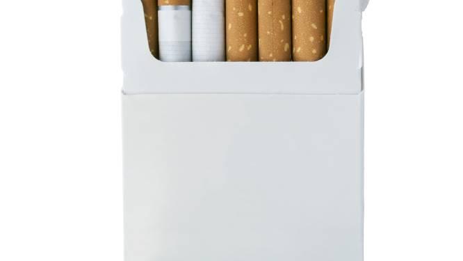 Het is menens in Nederland: Pakjes sigaretten van 10 euro