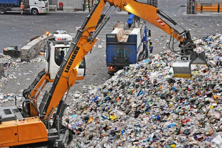 Afvalverwerkingsfabriek Suez in Rotterdam. Beeld Guus Dubbelman