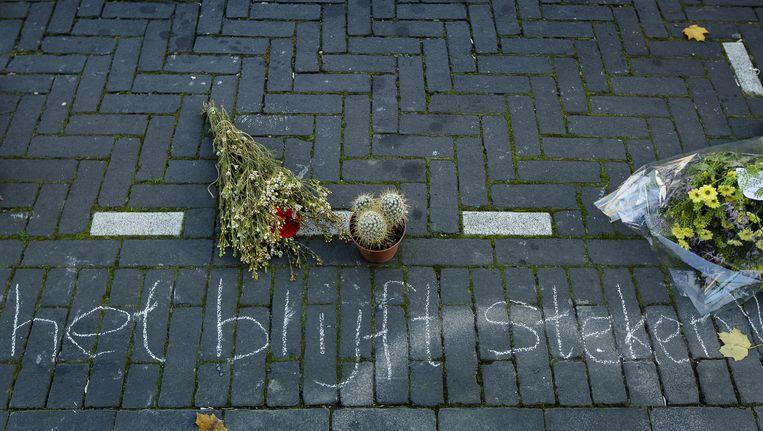 Mensen herdenken regisseur en columnist Theo van Gogh die tien jaar geleden werd omgebracht, door Mohammed B. Beeld anp