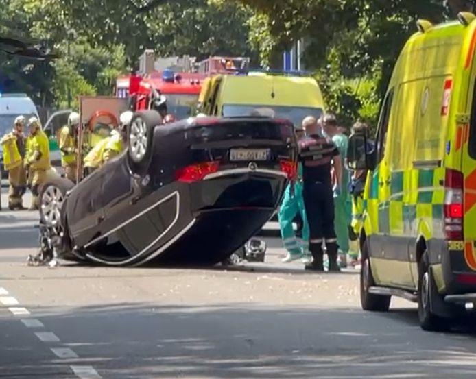 Impressionnant accident de voiture à Uccle.