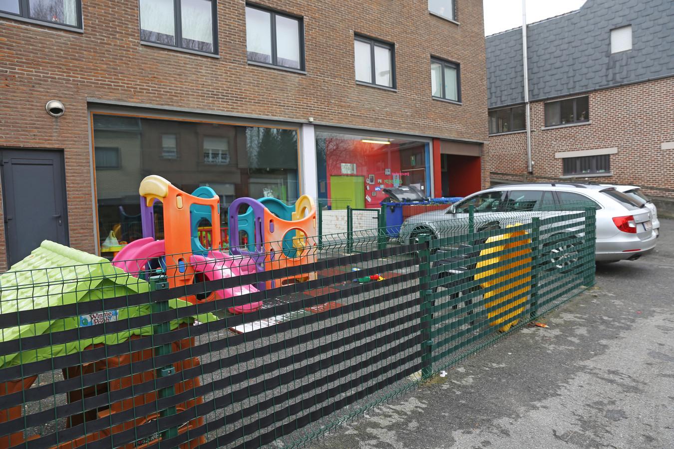 Kinderdagverblijf Mieke Muis in de Fosselstraat in Hekelgem sloot vandaag onverwacht de deuren.