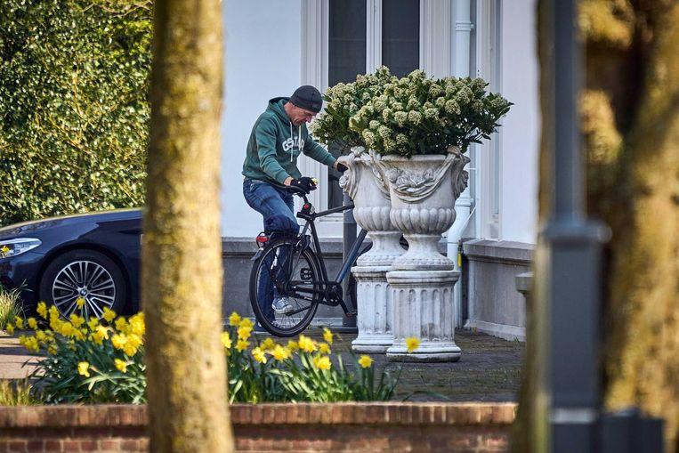 Demissionair premier Mark Rutte arriveert bij het Catshuis voor het overleg tussen het demissionair kabinet en deskundigen over het coronavirus. Beeld ANP / Phil Nijhuis