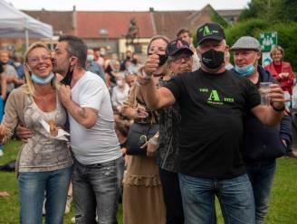 Vlaams feestje in Wetterse stadstuin met muziek en voetbal