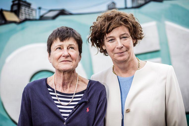 Topwetenschappers Cathérine Verfaillie en Petra De Sutter. Beeld Bob Van Mol