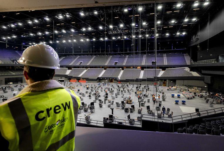 Vijfhonderd medewerkers en een massa flightcases zijn nodig om Ahoy om te toveren tot Songfestival-arena. Beeld ANP