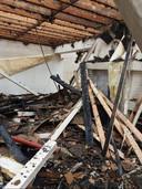 De woning van het koppel uit de Kapelstraat werd in de nacht van 17 op 18 juni getroffen door de bliksem en werd volledig in de as gelegd.