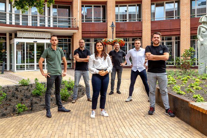De oprichters van V.O.T.E. Valkenswaard, vlnr. Rens Pijnenburg, Michael Martens, Aafje Roks, Robèr Coolen, Bas van Gorp en Joost Beerens.