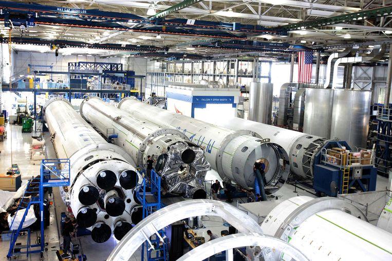 Productiehal bij SpaceX waar de eerste trappen worden samengesteld. Beeld