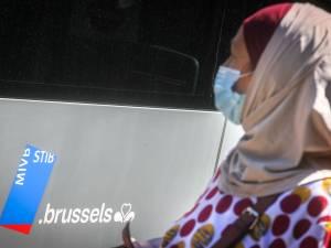 Voile à la Stib: le gouvernement bruxellois n'ira pas en appel, le MR consterné