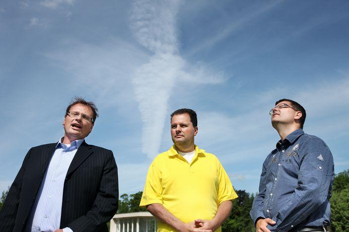 In 2006 ontwikkelde Edwin Rijkaart Van Cappellen (midden) samen met zijn broers Wijnand en Stefan de weer-app. Sinds 2016 spreken ze nog amper met elkaar.