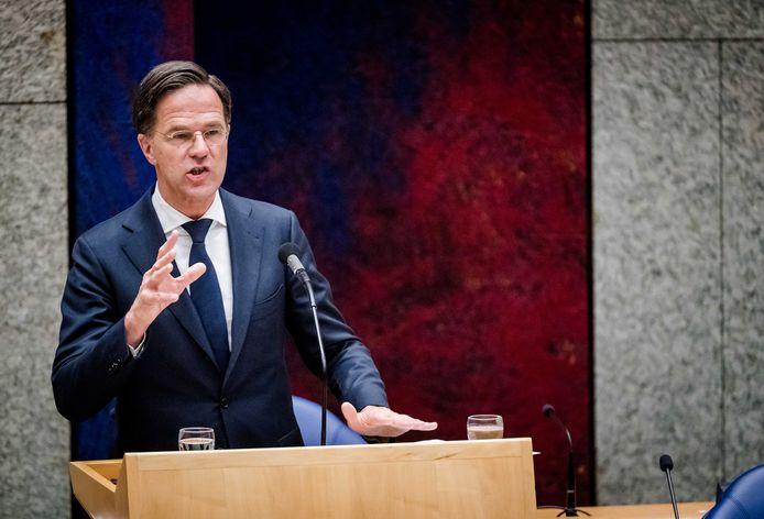 Demissionair premier Mark Rutte in de Tweede Kamer tijdens een debat over de ontwikkelingen rondom het coronavirus.