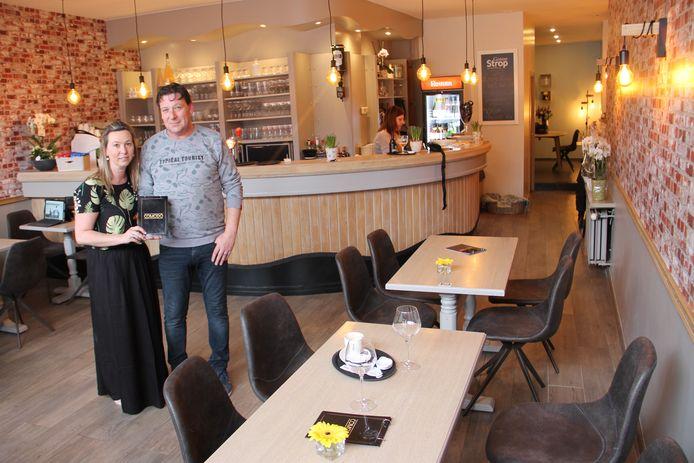 Gwen en Geoffrey in café Comodo.
