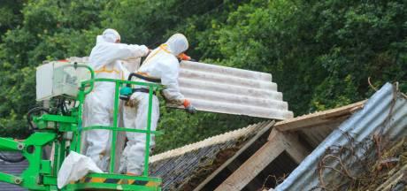 Grond rond asbestdaken vaak ernstiger vervuild dan gedacht: 'Saneren bij gevaar voor volksgezondheid'