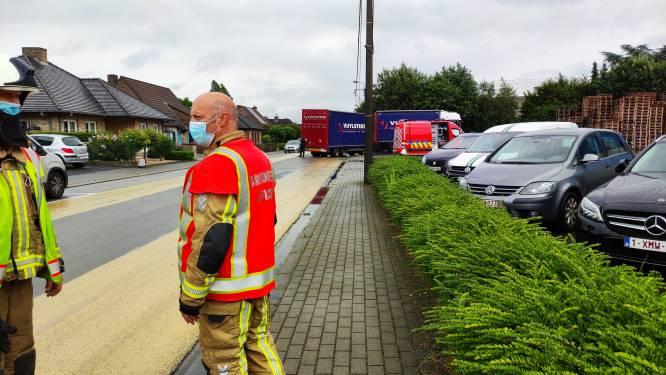 Trucker rijdt mazouttank kapot: brandweer moet olie komen ruimen