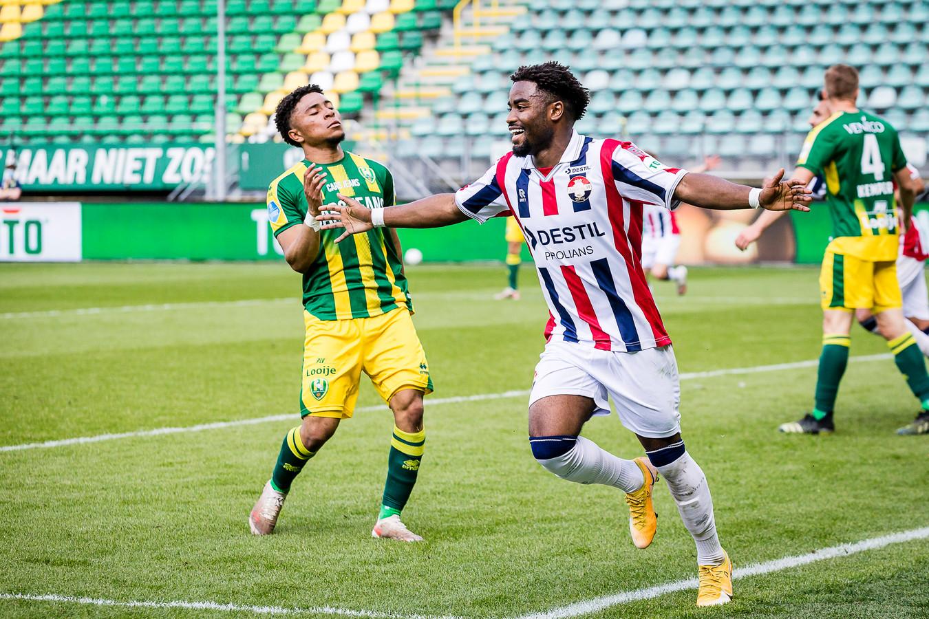 Willem II-speler Wriedt viert de 4-1 tegen ADO.