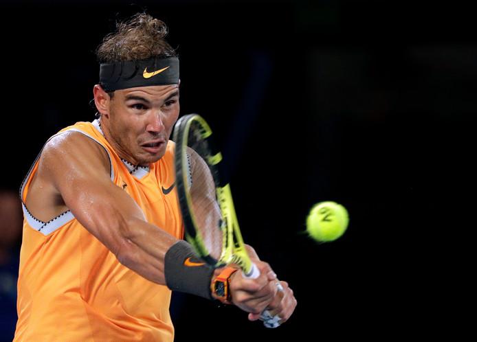 Rafael Nadal in actie tegen Alex de Minaur.