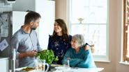 Steeds meer jongeren blijven thuis wonen: zoveel sparen ze ermee uit