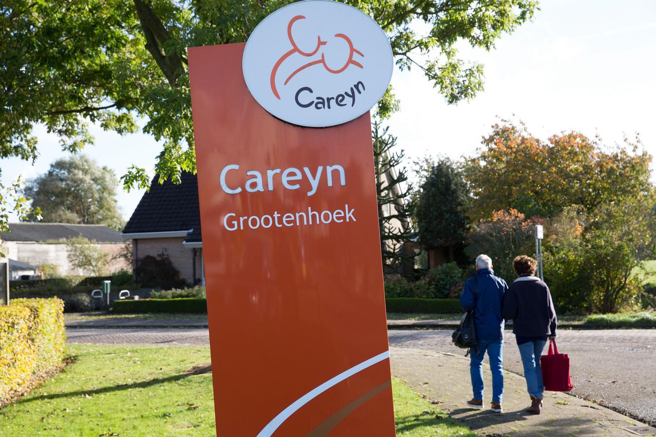 Careyn hoopt maandag weer bezoekers toe te kunnen laten op zoveel mogelijk verpleegzorgafdelingen. Andere organisaties als CuraMare en Argos Zorggroep doen dat zeker nog niet.