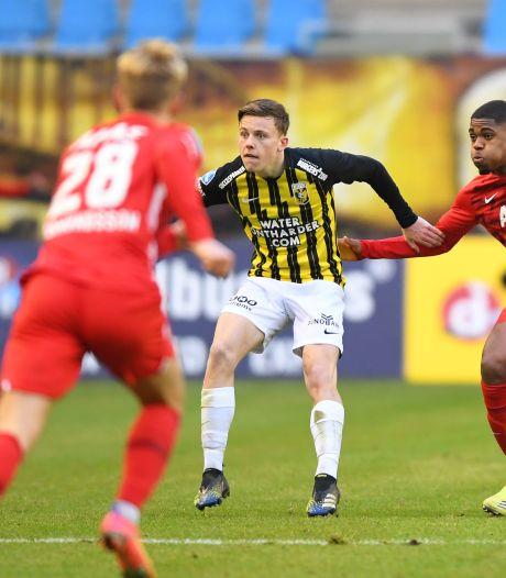 Enzo Cornelisse, tiener bij Vitesse met de uitstraling van een volwassen prof