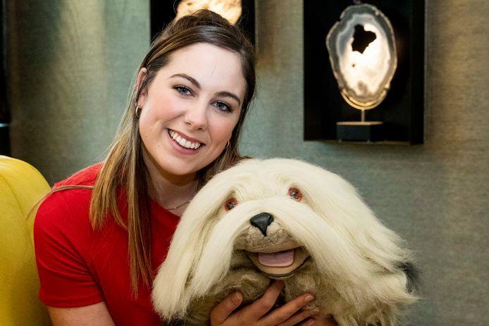 Marie Verhulst heeft het stokje overgenomen van haar vader Gert, en is nu het baasje van televisiehond Samson.