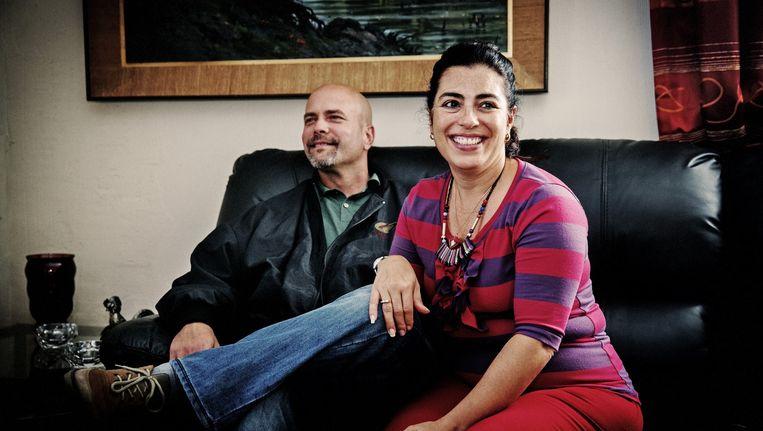 Zestien jaar nadat Gerardo in de VS achter de tralies verdween, zijn hij en zijn vrouw Adriana herenigd en de trotse ouders van dochtertje Gema. Beeld Tim Dirven